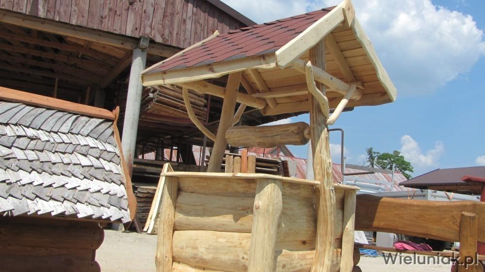 Studnie Ogrodowe Z Bali Drewna Ozdobna Studnia Wieluniakpl